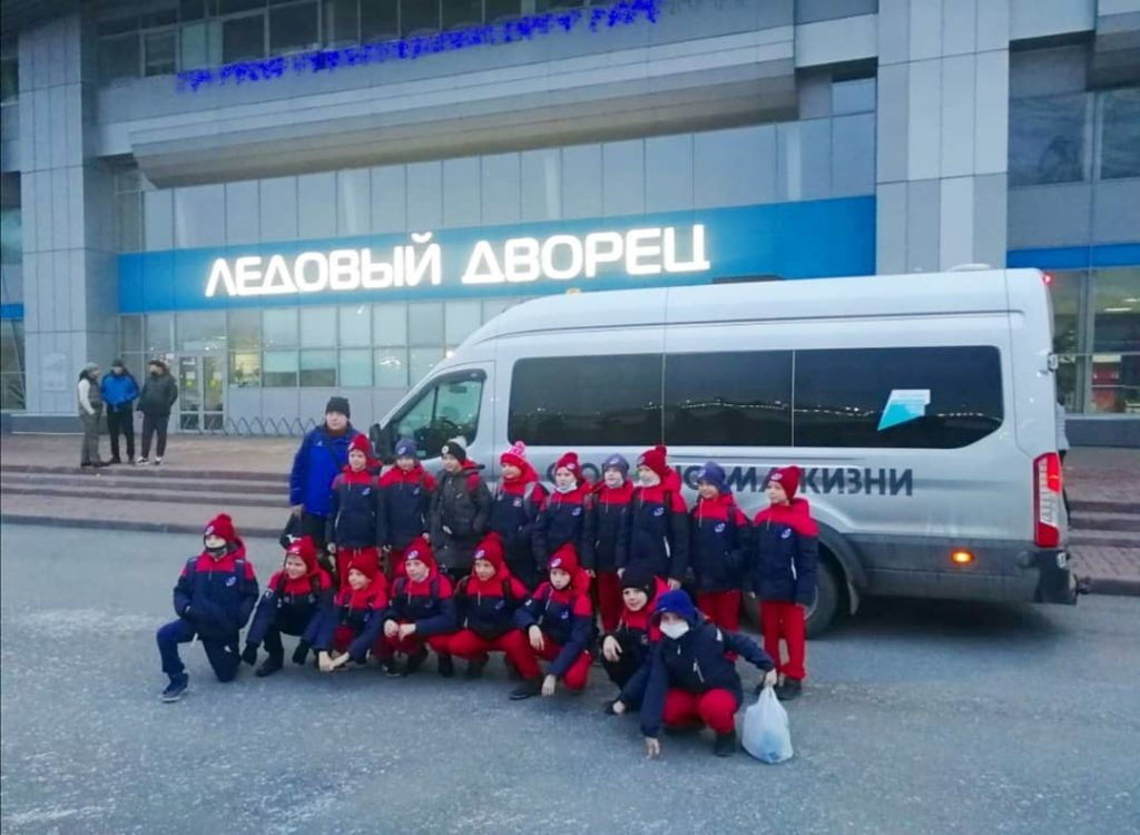 Хоккейная команда Звезда МБФСУ СШ