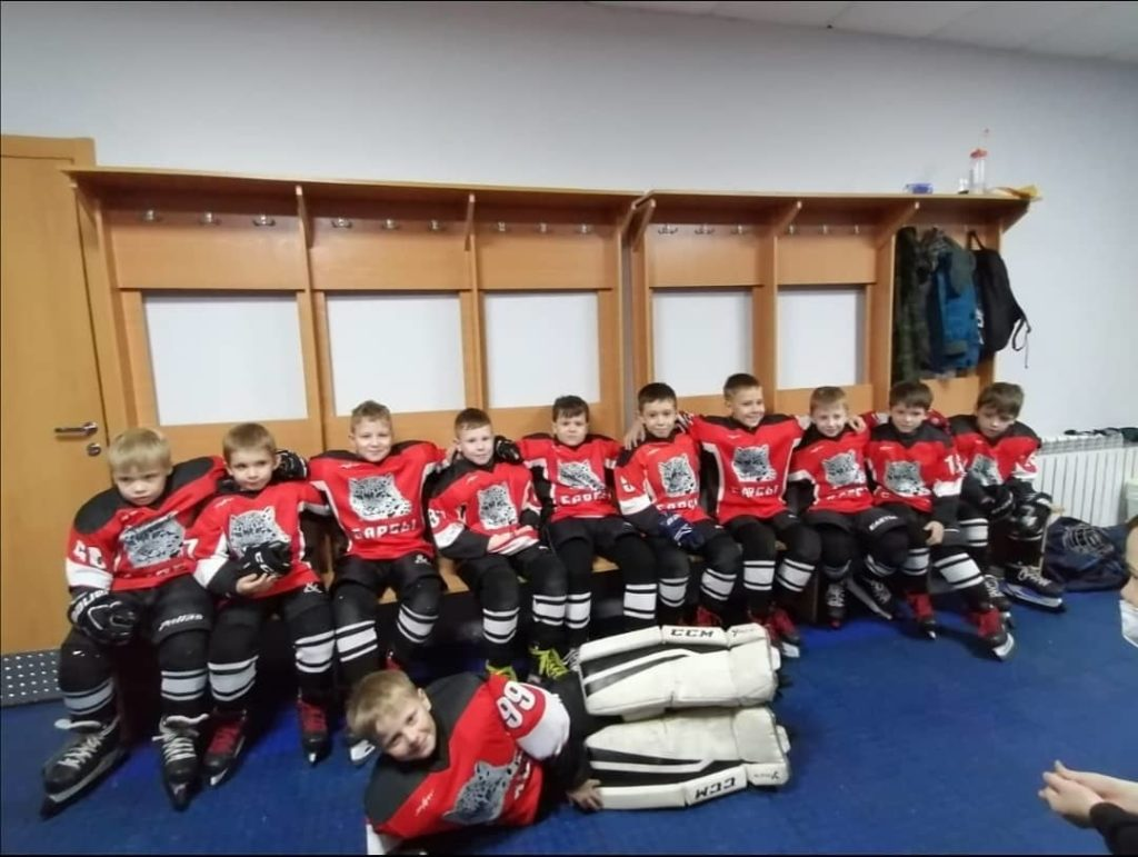 Хоккейная команда МБФСУ СШ Барсы